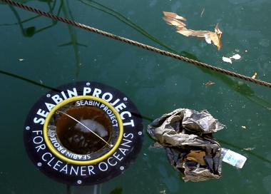 "Seabin Project ""Vacuum"" Cleans theOcean"